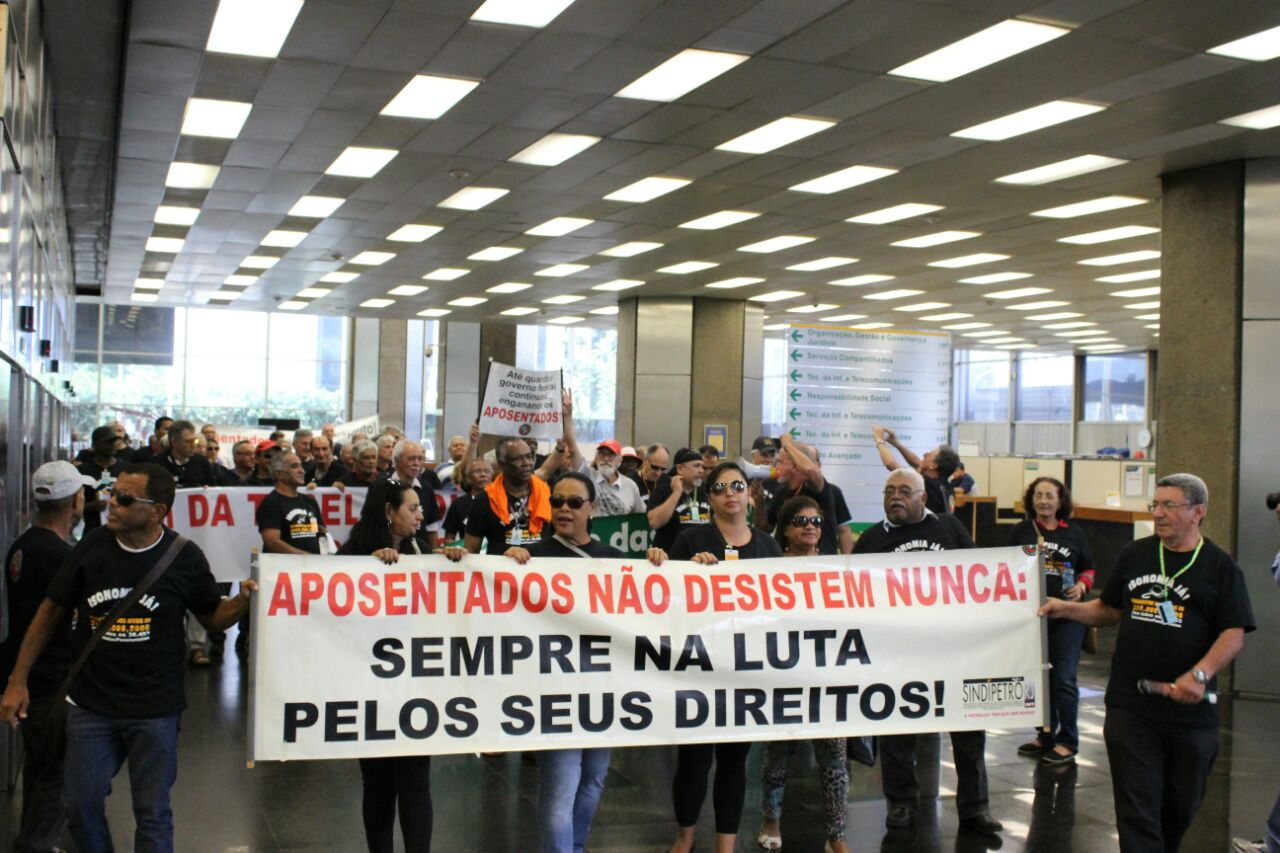 Aposentados do Rio de Janeiro começam a receber benefícios