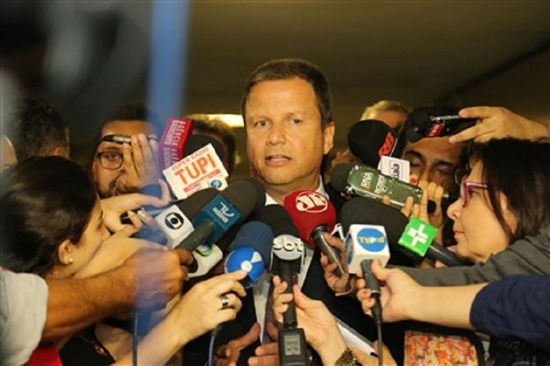 Para Lamachia, permanência de Cunha na presidência da Câmara expõe o Parlamento