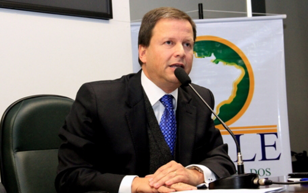 Lamachia recebe presidente da Frente Parlamentar Internet Livre e Ilimitada