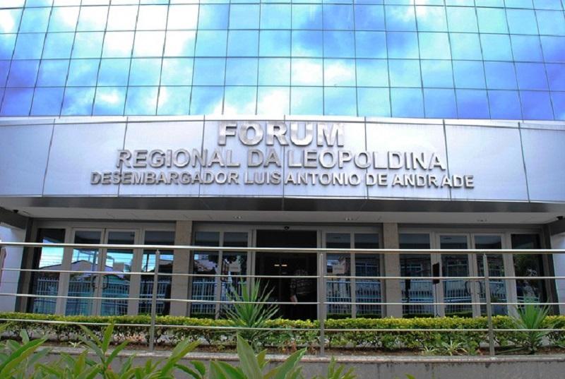 Resolução do TJ-RJ obriga juízes a passar por detectores de metais nos fóruns
