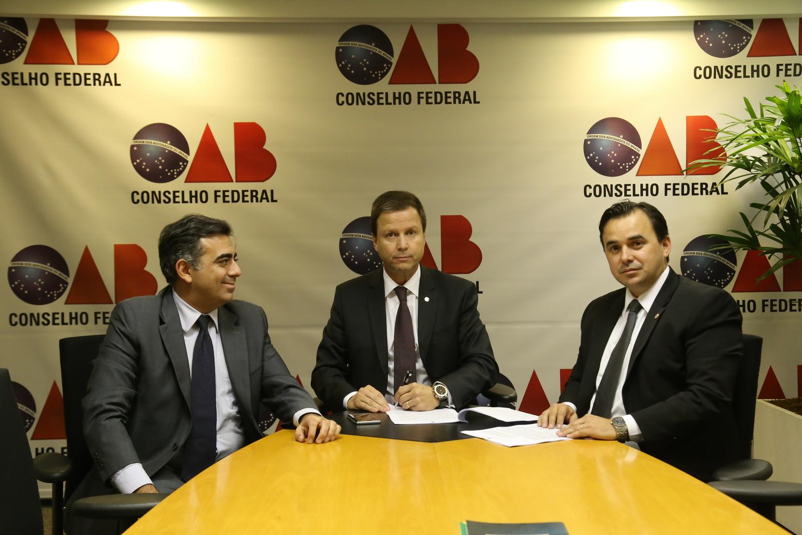 OAB e Localiza firmam convênio com descontos para todos os advogados