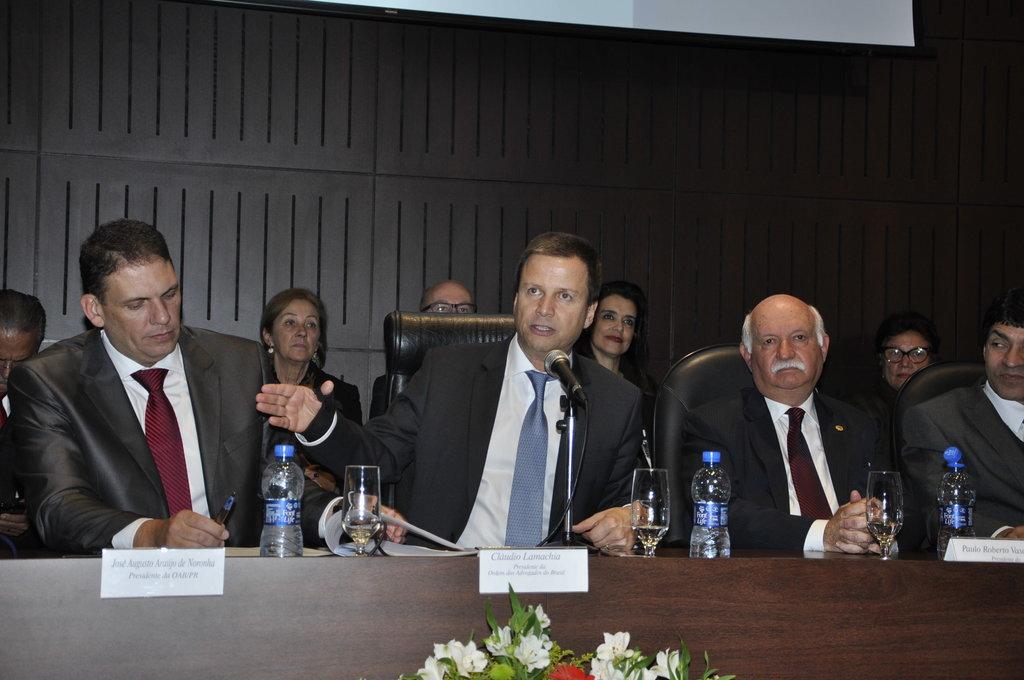Em Curitiba, presidente da OAB traça panorama do Brasil pós-impeachment