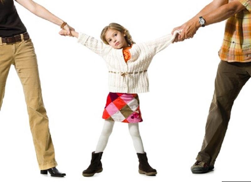 Guarda compartilhada de menor é negada em caso de desentendimento dos pais.