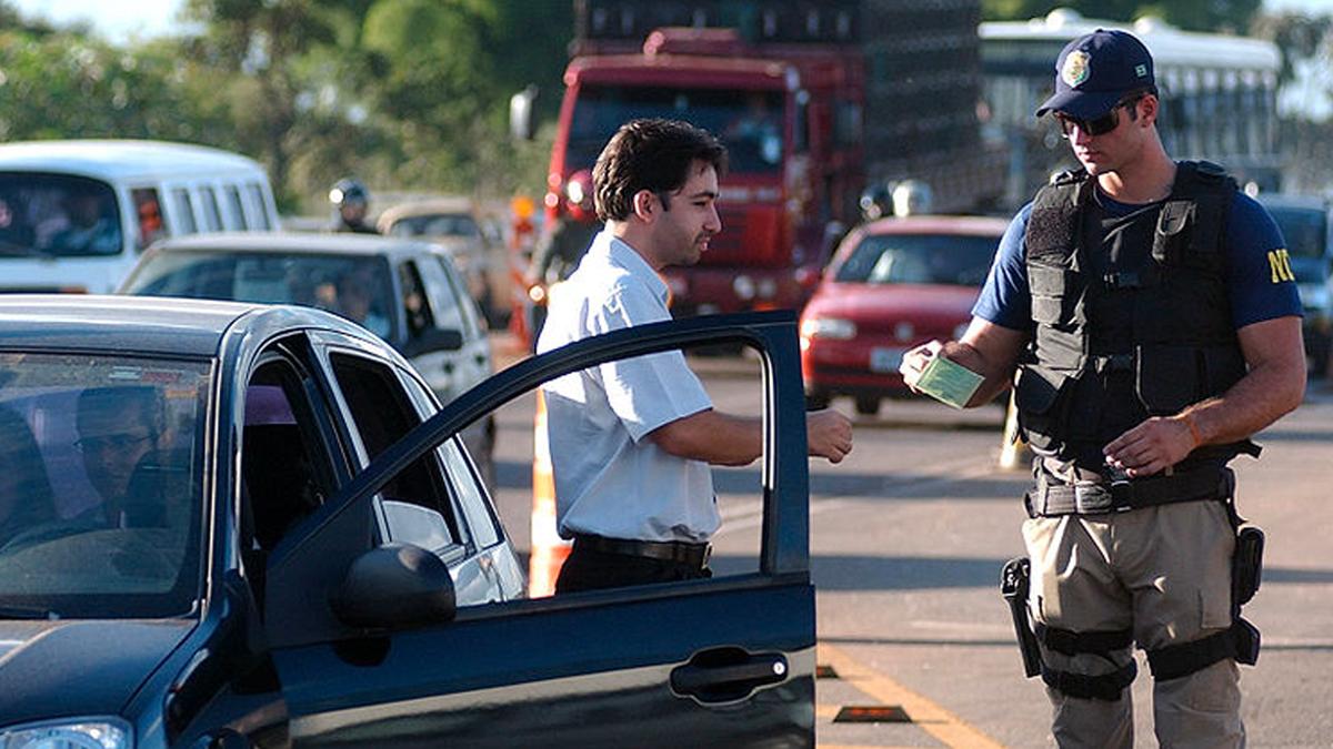 Isenção do pagamento de multa de trânsito