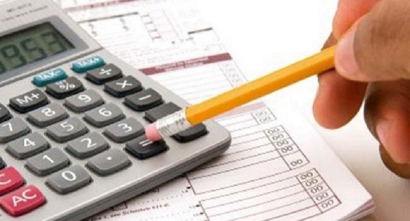 Segundo o STJ, a limitação da taxa de juros em 12% ao ano não se aplica aos contratos bancários