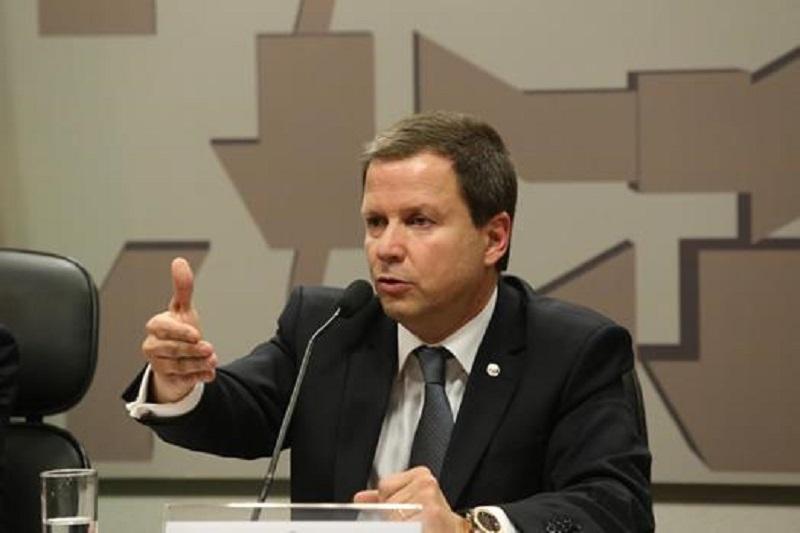 """Presidente da Anatel renuncia: """"o fim lamentável de uma gestão desastrosa"""""""