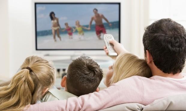 O Estado não pode determinar que programas de TV possam ser exibidos somente em determinados horários, diz STF