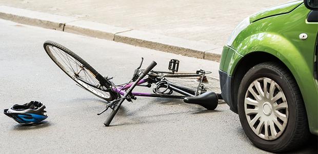 Seguro DPVAT é pago mesmo se acidente aconteceu com carro parado