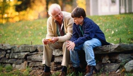 Avô que não participou da ação de investigação de paternidade sofrerá os efeitos da sentença, diz STJ