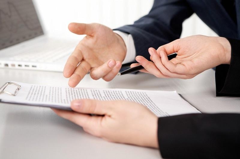 É abusiva cláusula que retém 50% do valor total em cancelamento de contrato