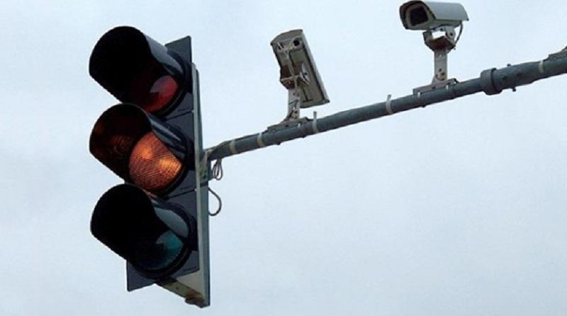 Avançar o Sinal Vermelho – Polêmica dos radares